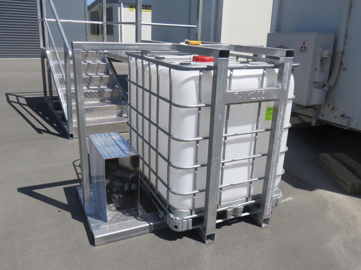 1000L Water Tank & Pump